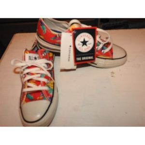 NWT RED PRINT CONVERSE ALLSTAR SNEAKERS